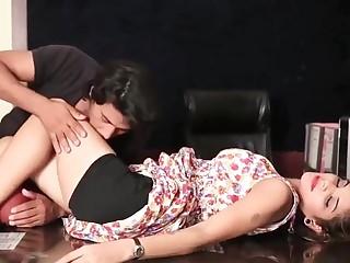 Office Romance Shruti Bhabhi aka Priya Tiwari